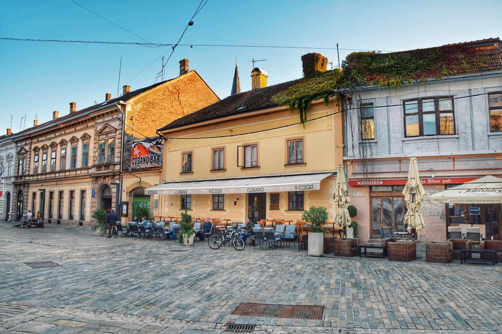 Rustikalne kuće u centru grada Siska