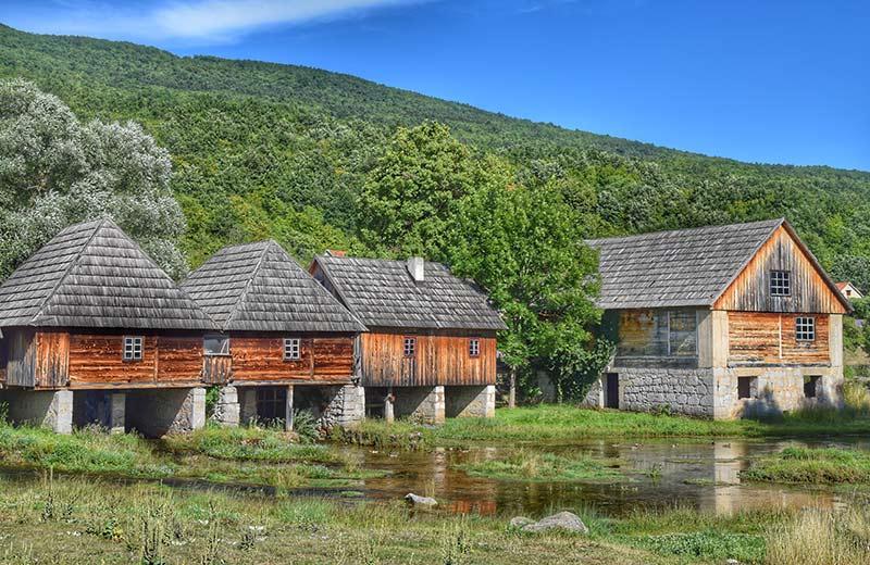 Mistična, očuvana i divlja Lika: Istražite najrjeđe naseljenu hrvatsku regiju