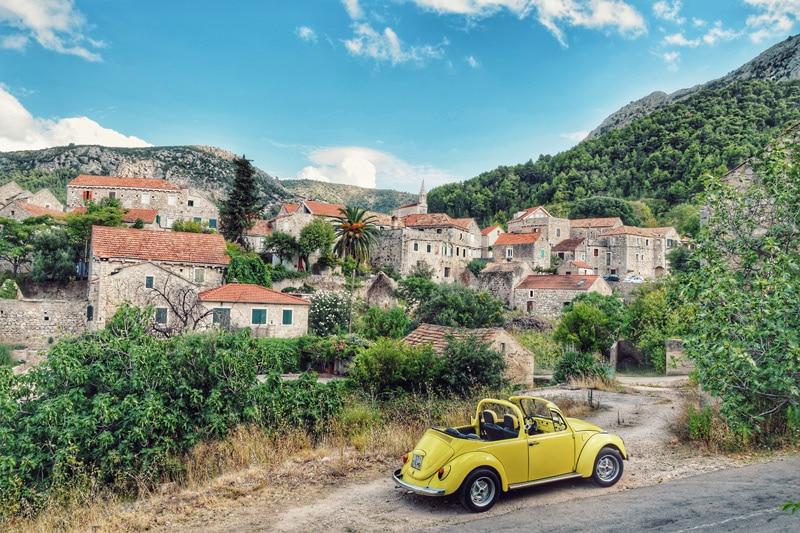 Kamena bajka: Idilično selo na otoku Hvaru koje odiše mirisima stare Dalmacije
