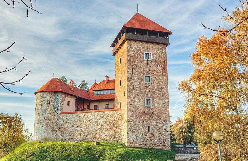 Stari grad Dubovac u Karlovcu