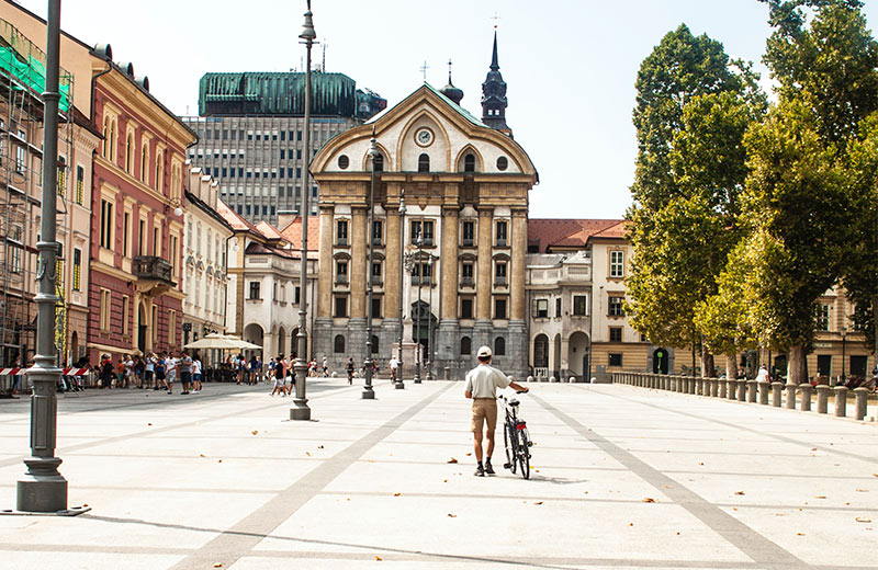 Čarobna Ljubljana: Grad koji će vas očarati toplom atmosferom, dobrim ljudima i impresivnom prirodom