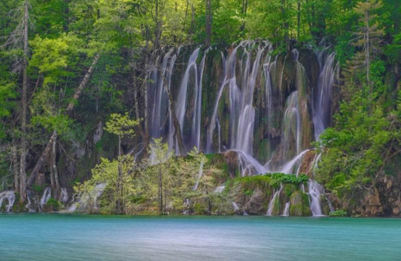 Svjetski biser: Saznajte kako je velebitska Crna kraljica stvorila prekrasna Plitvička jezera