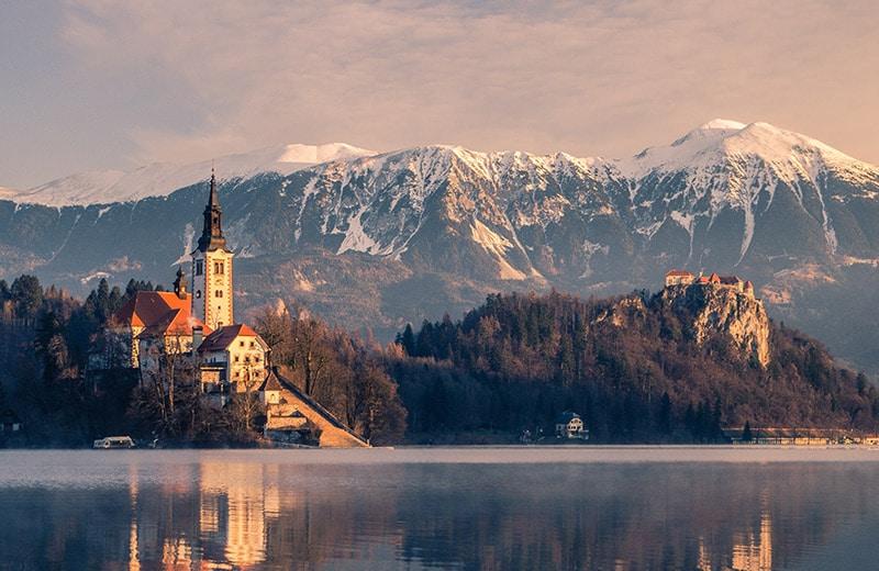 Biser Slovenije: Bajkovito jezero i dvorac Bled pravo su malo europsko blago
