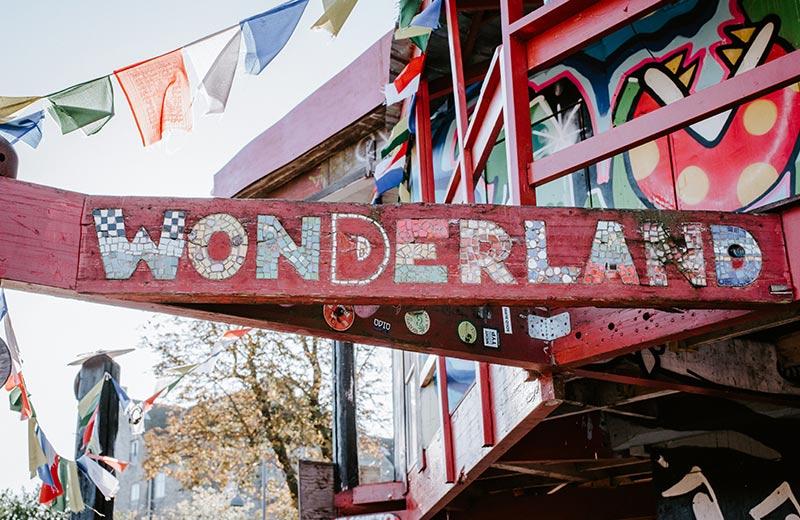 Posljednje utočište hipija u Europi: raj za ljubitelje kanabisa, ekološke aktiviste i zagovornike različitih sloboda