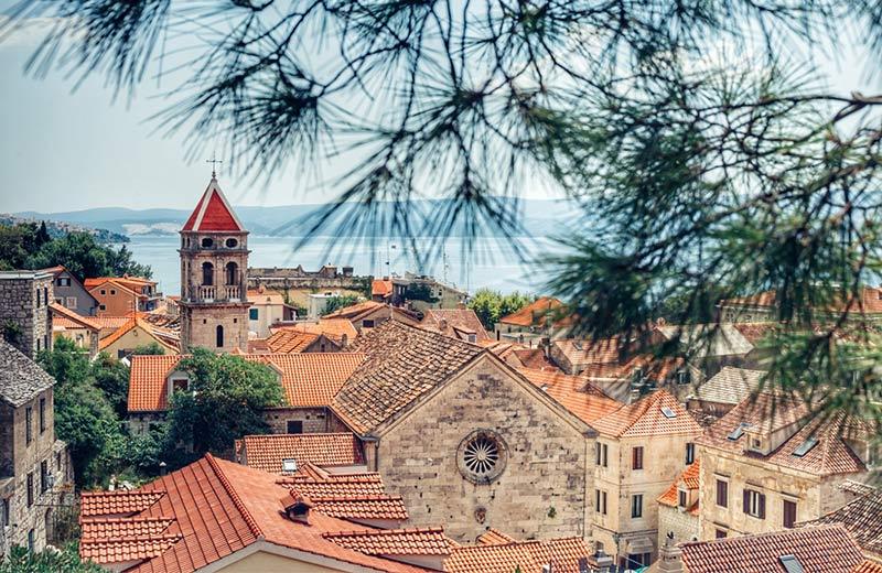 Omiš – grad gusara, klapske pjesme i kralj aktivnog odmora u Dalmaciji