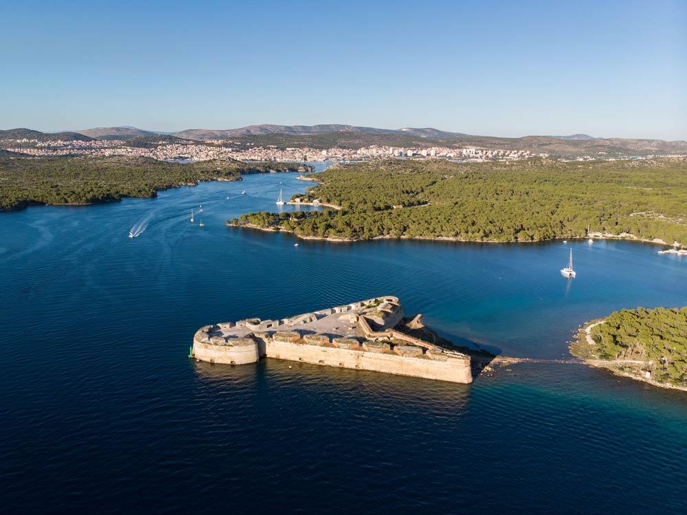 Tvrđava svetog Nikole, morski ulaz u grad Šibenik