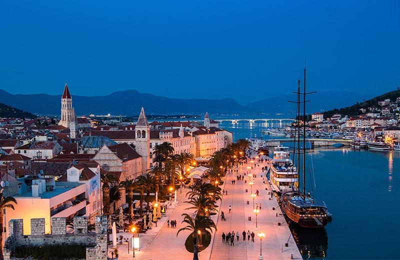 Ovdje su svaka ulica i kamen spomenik, a svaki korak ulazak u povijest: upoznajte Trogir