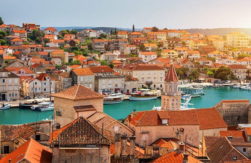Neodoljivo morsko šarenilo, miris lavande i pjace sa svježom ribom: deset najljepših gradova na Jadranu idealnih za život