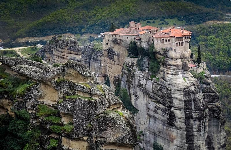 Teško dostupni, ali nevjerojatno lijepi samostani koji odolijevaju zubu vremena već tisućama godina